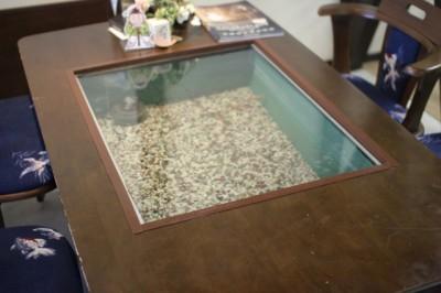 金魚テーブル2